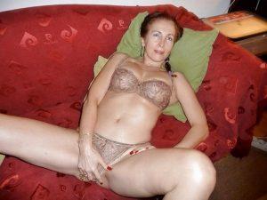 Cougar de Nice recherche un beau minet pour me contenter