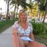Femme cougar recherche deux étalons sportifs