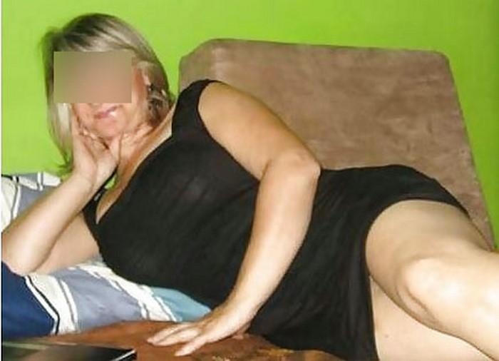 Femme mûre blonde à Marseille disponible