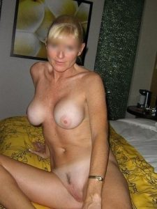 Qui veut des relations sexuelles torrides avec une cougar sur Nice ?