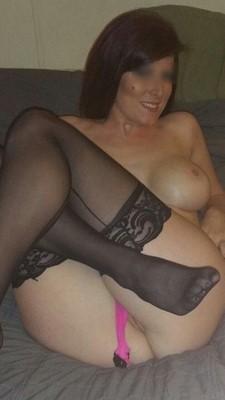 Valérie 41 ans ouverte à un plan cul avec un homme plus jeune que moi