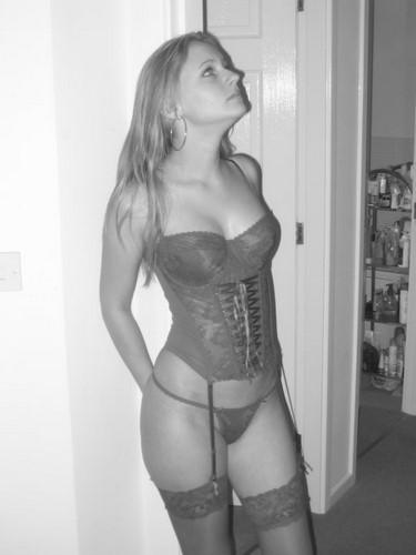 Belle nana sexy veut baiser avec un black tbm