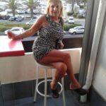 Femme mature infidèle à Arles pour jeune baiseur