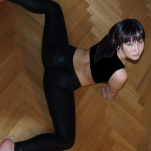 Femme souple cherche homme inventif et joueur sur Martigues