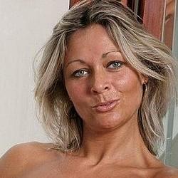 Je suis à nouveau une femme libre et je suis disponible pour rencontres à Berre/Marseille